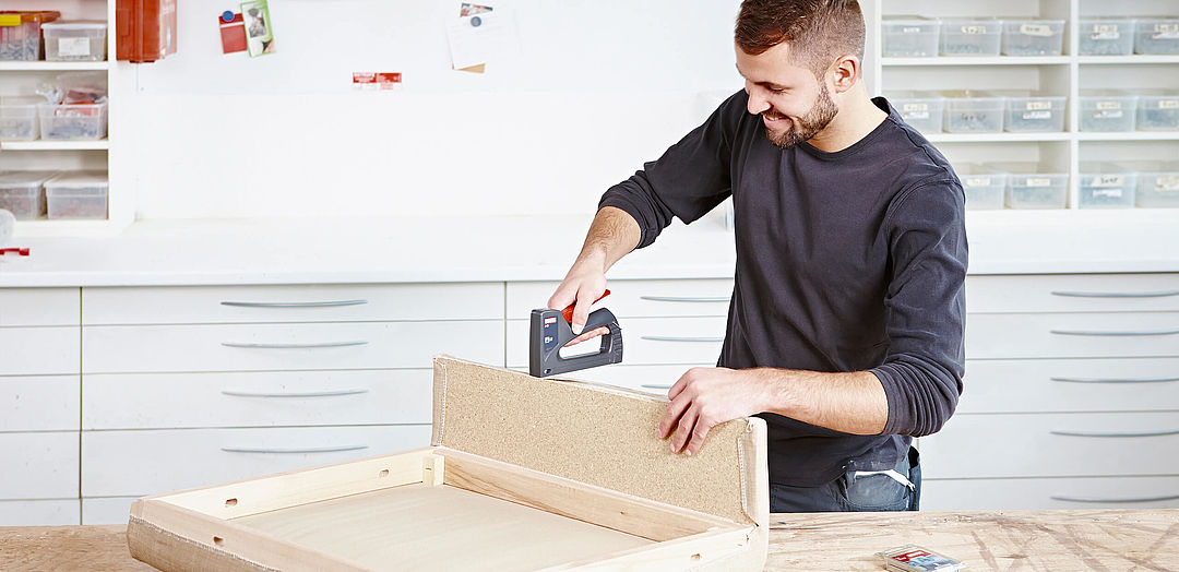 Upholstery Staple Guns Staplers For Upholstered Furniture